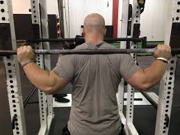 6 ways to reduce shoulder pain during squats bonvec strength