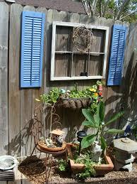 backyard fence decorating ideas goenoeng
