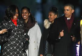 obamas usher in christmas with lighting of national tree 4