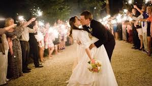 sparklers for wedding wedding sparklers the original wedding sparkler company