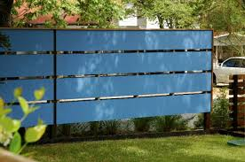 Cheap Fences For Backyard Horizontal Wooden Fences How Cool Is This Fence Horizontal