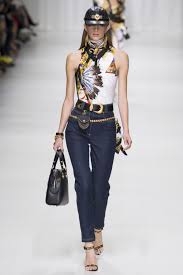 versace spring 2018 ready to wear collection vogue