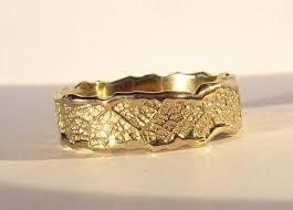 alliance en or créateur d alliances originales de mariage en or et diamant