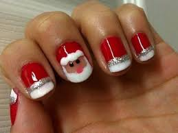 this nail design focused to emphasize the feeling of holiday