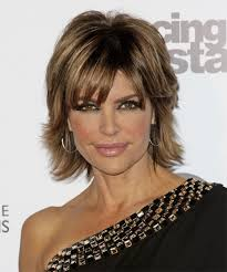 lisa rinna short straight formal hairstyle medium brunette caramel