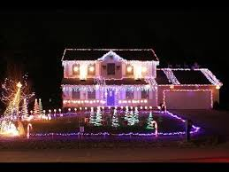 putting up christmas lights business professional christmas light installation christmas lighting