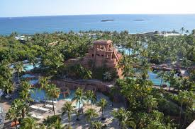 visiting atlantis bahamas with kids savvy sassy moms