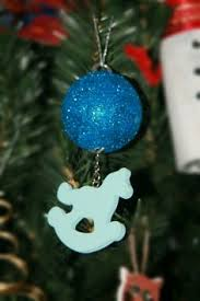 diy ornaments recycle bracelets and eyeshadow