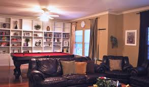 colors that go with burgundy furniture my web value
