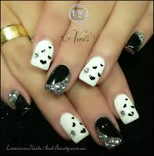 black and white stiletto nail designs