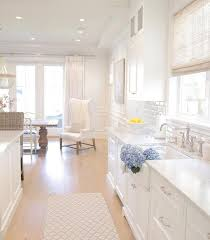 All White Kitchen Designs by Best 25 Hamptons Kitchen Ideas On Pinterest American Kitchen