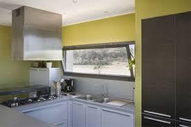 hauteur fenetre cuisine profils systèmes présente les dernières générations de fenêtres