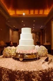 die besten 25 silver cake stand ideen auf pinterest kuchenstand