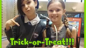 halloween store eugene oregon spirit halloween trick or treating at the mall with mal web costumes