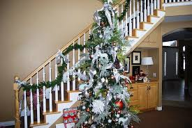 Stairs Decorations by 23 Gorgeous Christmas Staircase Decorating Ideas