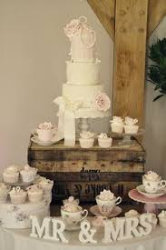 Wedding Cake Display 114 Best Cake Tables Images On Pinterest Marriage Desserts And