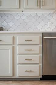 red tile backsplash kitchen best 25 fish scale tile ideas on pinterest beach style bathroom