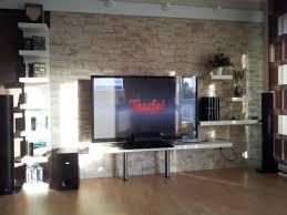 steinwand wohnzimmer tv wohnzimmer tv steinwand die besten 25 tv wand ideen auf