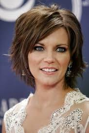 layered long haircut with height on top martina mcbride hairstyles11 check out the top choppy layers for