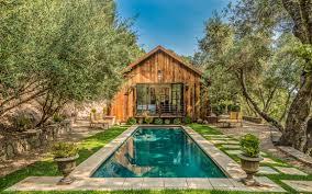 modern farmhouse luxury retreats