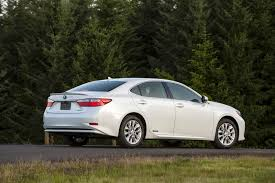 lexus or toyota avalon how the lexus es 300h isn u0027t just a re badged toyota avalon hybrid