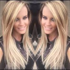 does jenny mccarthy have hair extensions with her bob jenny mccarthy loves her new hair that was provided by want hair
