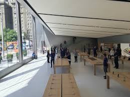 time lapse video new apple store u0027s 42 foot sliding glass doors
