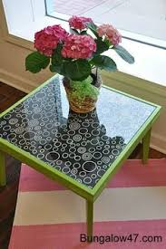 paint glass table top glass top end table redo clock end table makeover hello i live