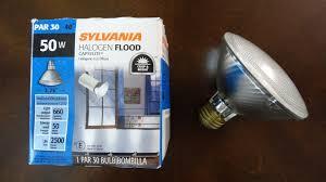 flood light bulbs sylvania sylvania 50watt par30 halogen flood light bulbs youtube