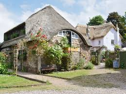 holiday cottages to rent in torquay cottages com