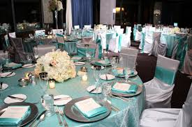 rent linens for wedding knoxville wedding vendor white table blue tablecloth wedding
