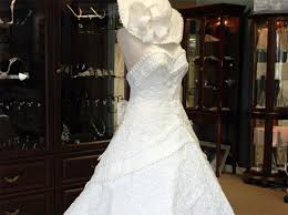 paper wedding dress the it wedding dress is made of toilet paper yes really