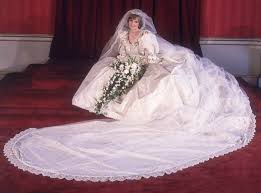 the epic story of princess diana u0027s wedding dress 3 months 25