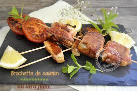 cuisiner à la plancha gaz brochette saumon roulé au lard fumé recette plancha