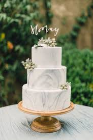 classic wedding cake view more http rusticwhitephotography pass