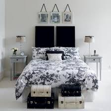 Appealing Black And White Bedroom Decorating Ideas 20 For