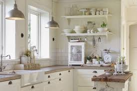 31 cozy and chic farmhouse kitchen dcor ideas digsdigs rustic