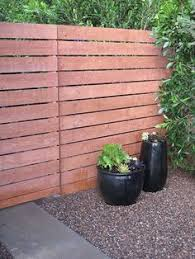 Modern Backyard Fence by Building A Horizontal Plank Fence Horizontal Fence Pallets And