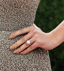 kate s wedding ring get a closer look at kate upton s engagement ring