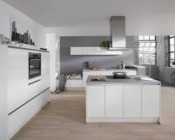 cuisines avec ilot central cuisine complète avec îlot central et façade blanc premium