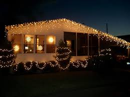 photos of homes decorated for christmas a fun look at photos of all kinds of florida homes decorated for