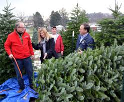 perfect christmas tree farm in lopatcong hosts n j leaders to