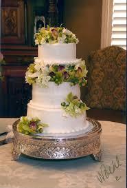 rebekahs custom bakerie round bride u0027s cakes