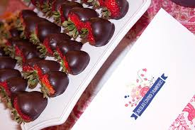 chocolate covered strawberries where to buy the easiest chocolate covered strawberries a slice of style