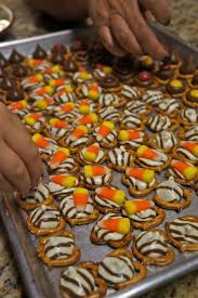 Baking Halloween Treats Best 20 Hershey Hugs Ideas On Pinterest Pretzel Treats Pretzel