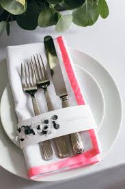 how many place settings how to diy neon edged napkin place settings a practical wedding