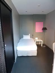 h el dans la chambre hôtel réservation de chambres chambre d hôtel handicapé situé à