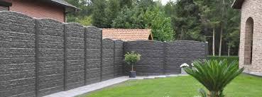 jardin cloture la clôture en béton