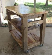 Mobile Kitchen Island Table by Best 20 Pallet Kitchen Island Ideas On Pinterest Pallet Island