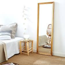 grand miroir chambre grand miroir chambre un grand miroir pour cracer une sensation